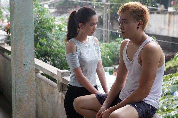 Lương Mạnh Hải đóng cặp cùng Ngọc Trinh trong Vòng eo 56.