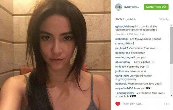 Katun cũng không phải ngoại lệ, không chỉ gửi lời chào, cô còn đánh giá cao tình cảm của các fan dành cho mình.