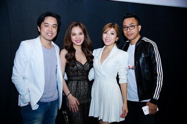 Giang Hồng Ngọc cùng nhạc sĩ Dương Khắc Linh, ca sĩ Trang Pháp và nhạc sĩ Nguyễn Hồng Thuận.