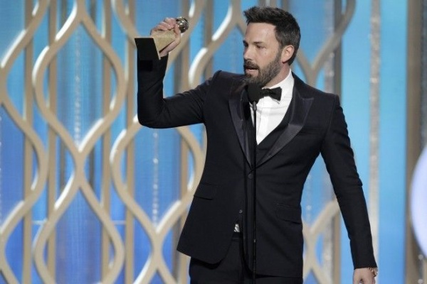 Ben-Affleck-got-emotional-while-accepting-his-award-thanking-his