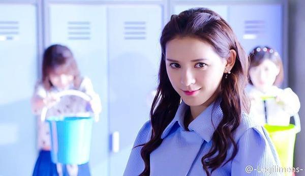 Lâm Tinh Thần chống đối thầy giáo ở lớp học.