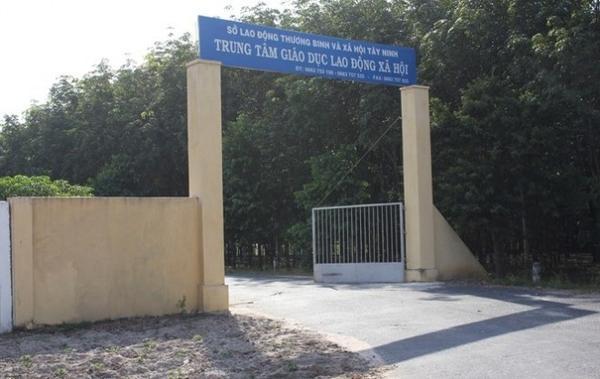 68-hoc-vien-tan-cong-can-bo-tron-trai-cai-nghien-tai-tay-ninh-29-204730