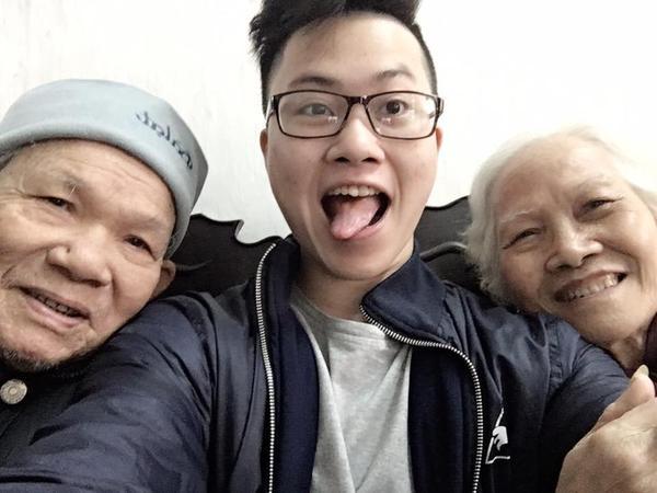 Đây chính là nguyên mẫu trong 'Ông bà anh' của Lê Thiện Hiếu: vui vẻ và biết cả selfie! ảnh 2