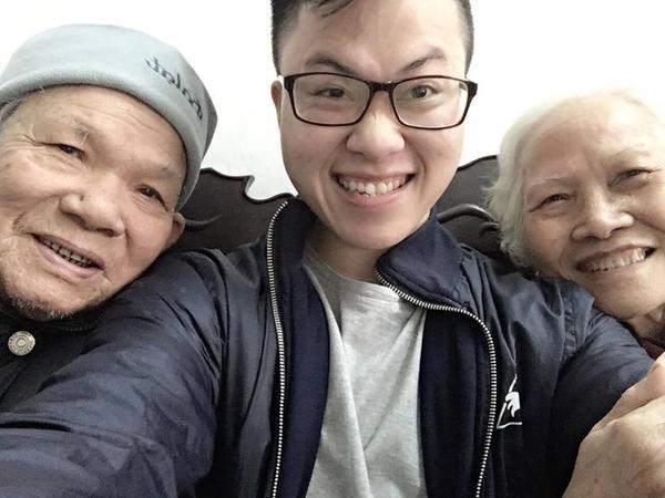 Đây chính là nguyên mẫu trong 'Ông bà anh' của Lê Thiện Hiếu: vui vẻ và biết cả selfie! ảnh 3