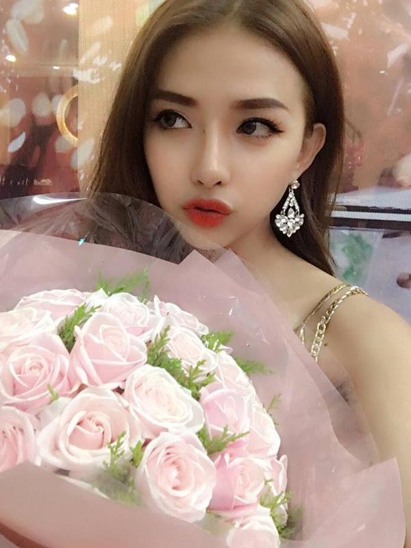 'Đổ rầm' trước cô bạn gái siêu nóng bỏng của ca sĩ Phan Mạnh Quỳnh