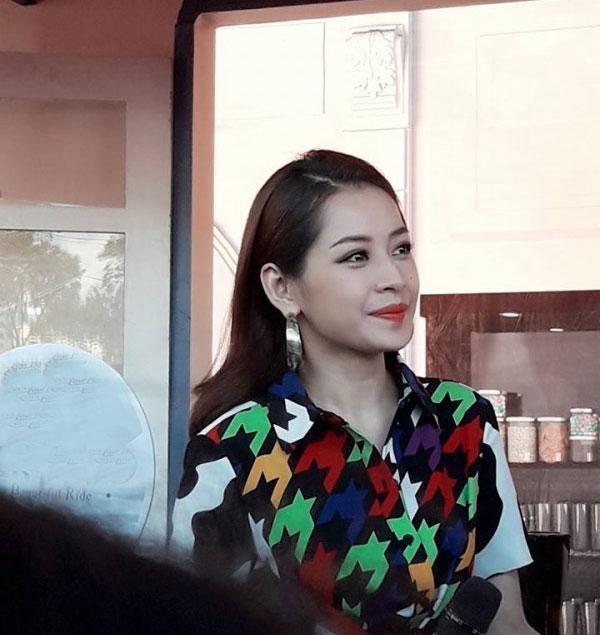 Sở hữu gương mặt chuẩn đến từng đường nét, không ít lần người hâm mộ phải xuýt xoa trước nhan sắc xinh đẹp của Chi Pu trong những tấm hình đời thường.