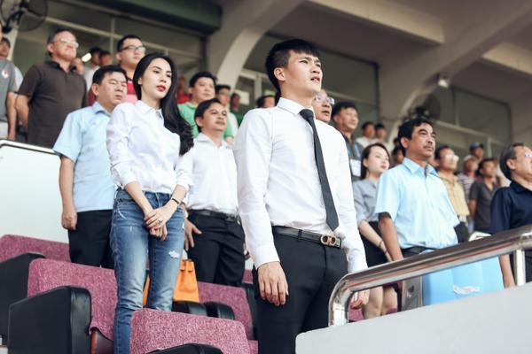 Sau lễ ra mắt khá ấn tượng trước thềm mùa giải, người hâm mộ đang chờ đón sự thể hiện của CLB TP HCM do Công Vinh làm chủ tịch lần đầu có mặt tại sân chơi chuyên nghiệp.
