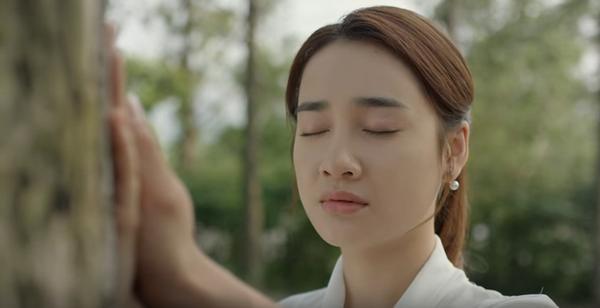 Cũng có suy đoán rằng, biết đâu Junsu sẽ không nhớ ra Linh nhưng trái tim vẫn đủ rung động để yêu cô một lần nữa. Và Cynthia, sau tất cả chỉ là người thế thân đã đến bên Junsu trong lúc tuyệt vọng nhất, còn Linh xét cho cùng thì mới là người đã dành trọn tuổi thanh xuân để yêu và chờ đợi Junsu lấy lại ký ức.
