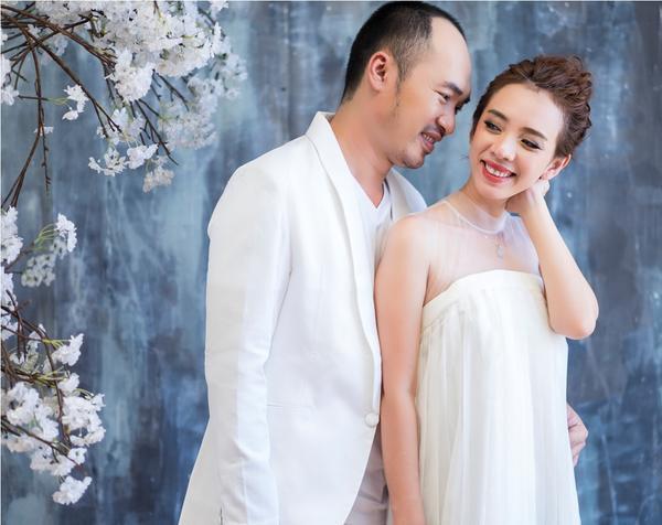 Thu Trang - Tiến Luật kỷ niệm 6 năm ngày cưới: 'Vẫn cứ yêu và say như thế!' - ảnh 3