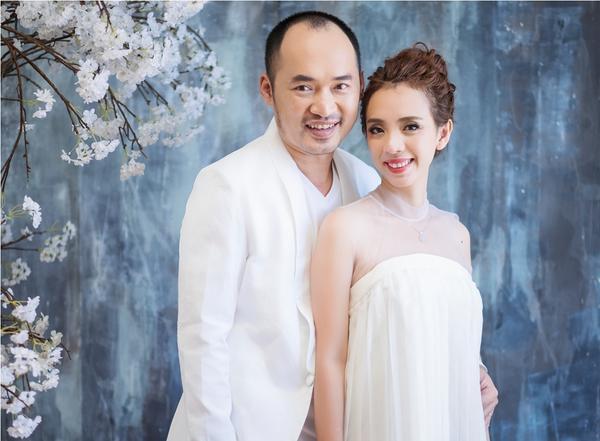 Thu Trang - Tiến Luật kỷ niệm 6 năm ngày cưới: 'Vẫn cứ yêu và say như thế!' - ảnh 4
