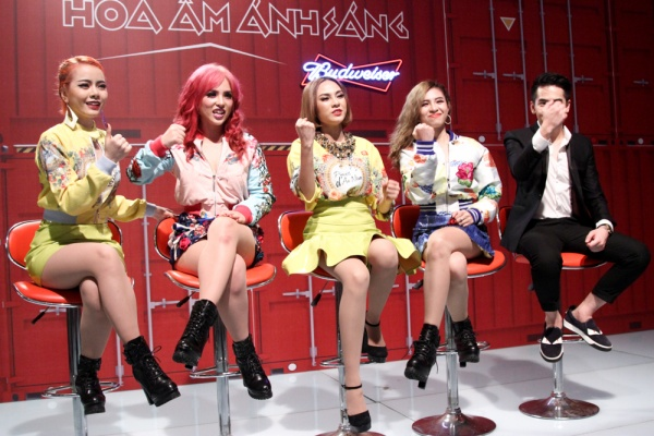 Yến Trang rơi tự do từ độ cao 2m, S Girls mang Hồ Thiên Nga đầy choáng ngợp lên sân khấu Remix New Generation - ảnh 5