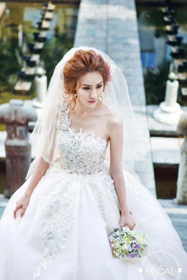 Ngân Khánh quyết định lấy chồng khi sự nghiệp đang thăng hoa khiến nhiều người bất ngờ.