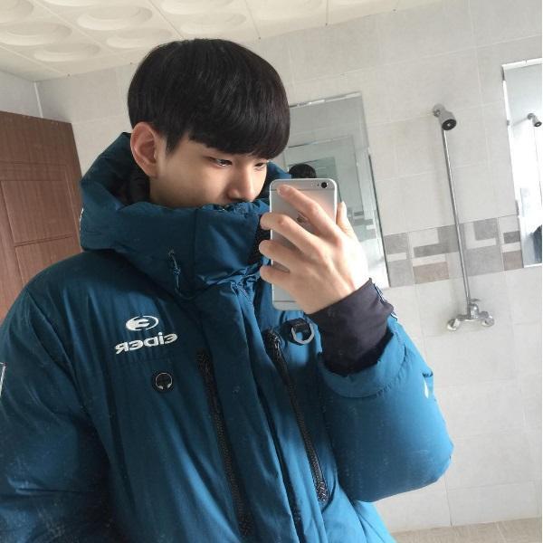 Vận động viên bóng chuyền 'đốn tim' thiếu nữ với ngoại hình giống hệt nam tài tử Kim Soo Hyun