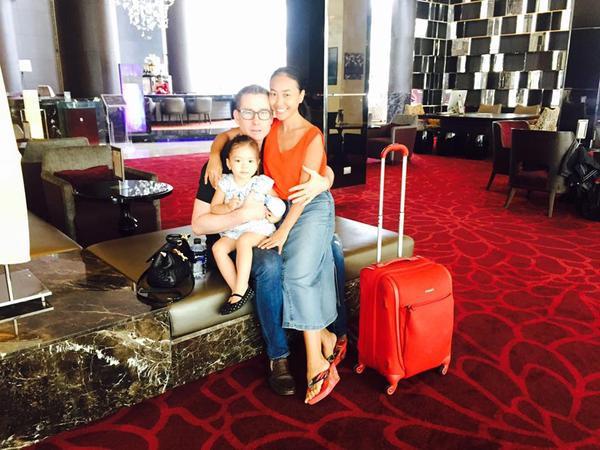 Để hâm nóng tình cảm, vợ chồng Đoan Trang thường xuyên cùng nhau đi du lịch, tận hưởng hạnh phúc hôn nhân.