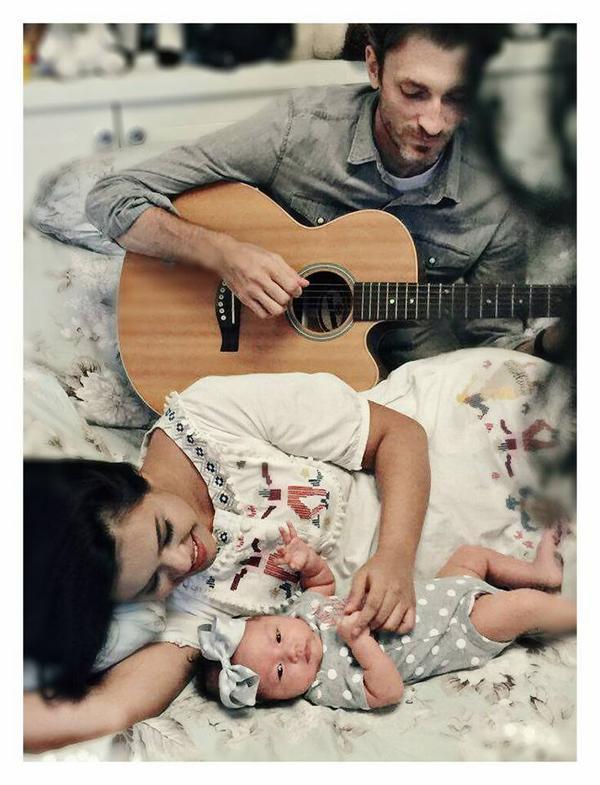 Đến khi sinh con gái, Sean Trace đều không quên lưu giữ lại những khoảnh khắc ngọt ngào…