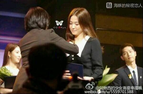 Song Joong Ki luôn dõi theo Kyo….