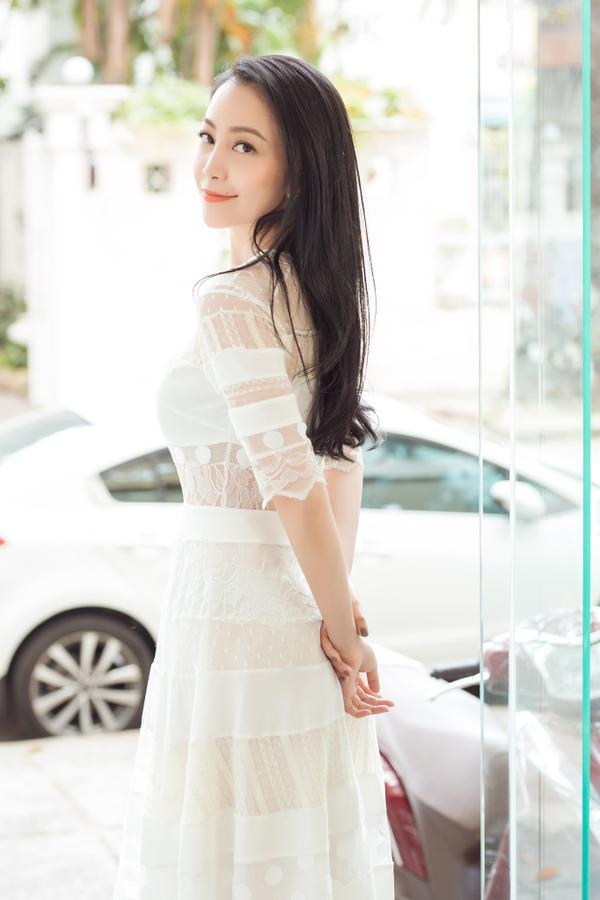 Hiện tại, Linh Nga đang là diễn viên múa của nhà hát Bông Sen. Cô còn giữ vai trò đại sứ của một số thương hiệu danh tiếng.