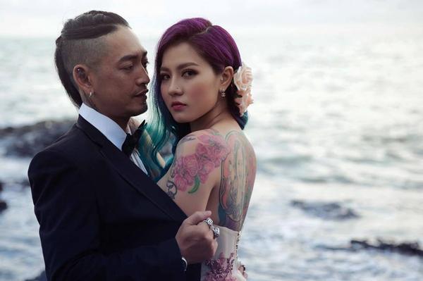 Đời sống: Dùng xe cẩu rước dâu chưa là gì, đám cưới quy tụ toàn nghệ sĩ Tattoo như thế này mới là chất