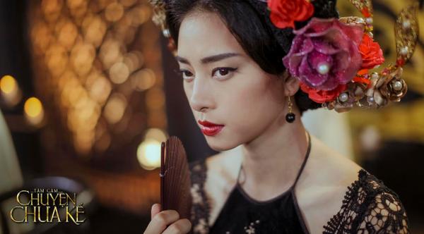 Trong dự án phim hot Tấm Cám: Chuyện chưa kể, người đẹp gốc Trà Vinh tự tay đảm nhận cùng lúc 5 vị trí trong là đạo diễn, sản xuất, diễn viên, biên kịch và casting.