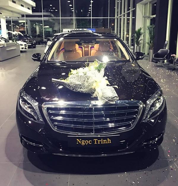 Người đẹp tự nhận cô thuộc tuýp người đơn giản, lại không rành về xe nên khi thấy thích là quyết định mua chứ không mất thời gian tìm hiểu.