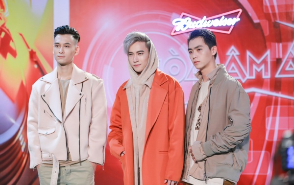 Đội hình 'soái ca' của team S.T khiến fan nữ xao xuyến sau hậu trường Remix New Generation - ảnh 7