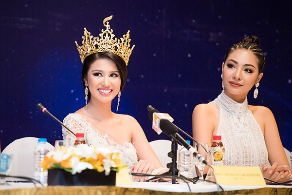 Huyền My chính thức được cấp phép tham dự Miss Grand International 2017 170418starhuyenmy-5