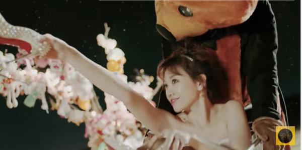 'Cuối cùng anh cũng đến' xứng đáng là MV 'khủng' nhất của Hari Won bởi 4 lý do này!
