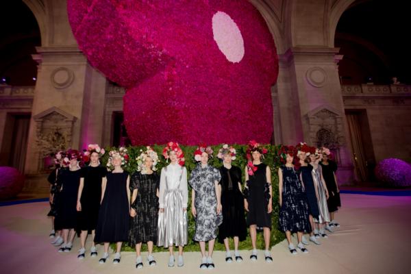 Nhìn những hình ảnh này, bạn sẽ thấy Met Gala chính là sự kiện thời trang 'khủng' nhất mọi thời đại!