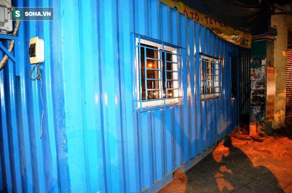 Nhóm giang hồ cầm hung khí lao vào tấn công 1 gia đình ở Sài Gòn