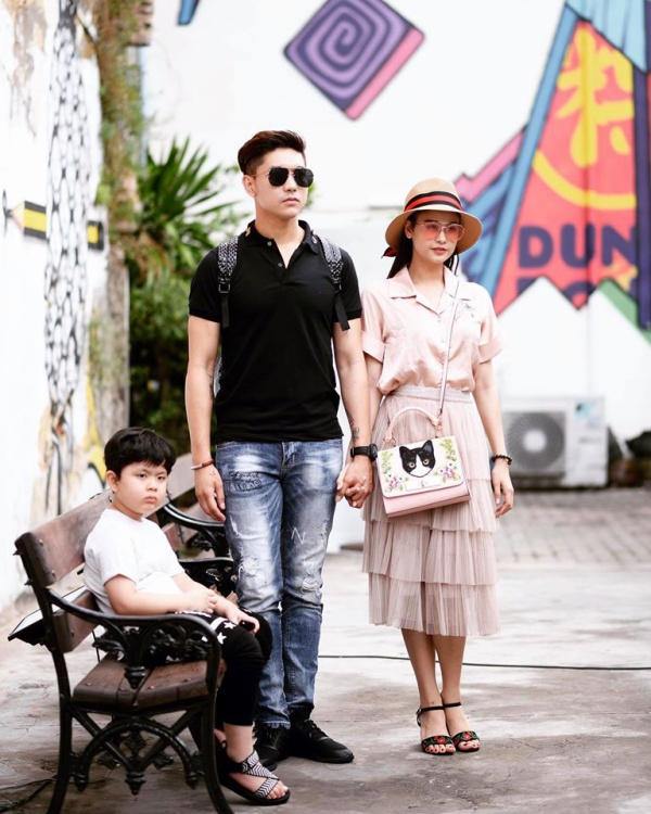 Cuối tháng 4 vừa qua, cặp đôi vẫn đưa con trai Sushi đi Thái Lan du lịch.