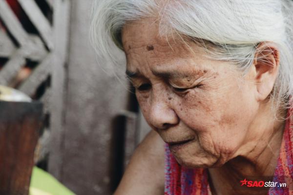 Chuyện kể của những bà cụ dành cả cuộc đời bán trà đá cho người dân Hà Thành - Ảnh 7.