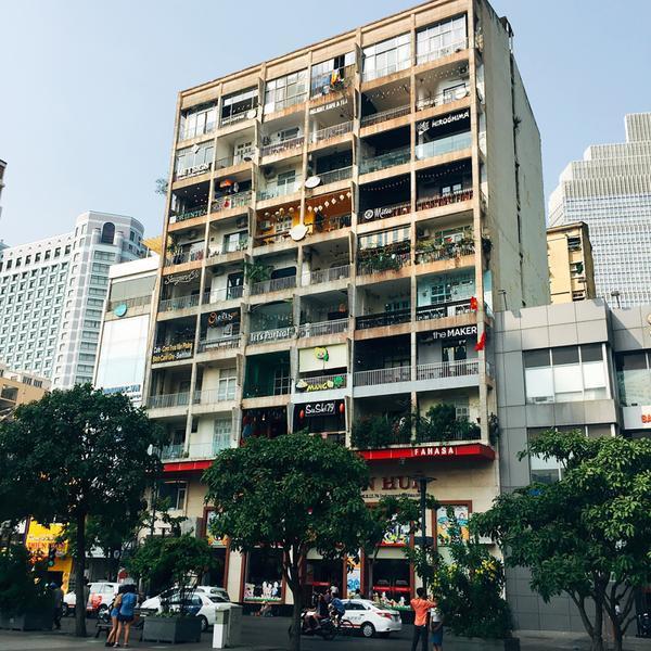 Chung cư 42 Nguyễn Huệ - Nơi tập hợp 500 quán cà phê.
