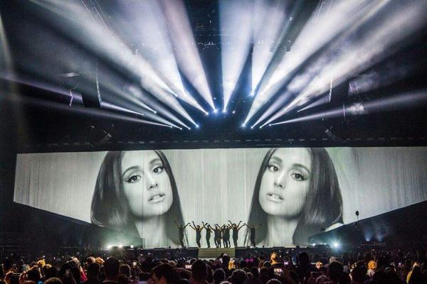 Được gặp riêng Ariana Grande, giá vé đến với World Tour đầu tiên của Việt Nam khá hợp lí!
