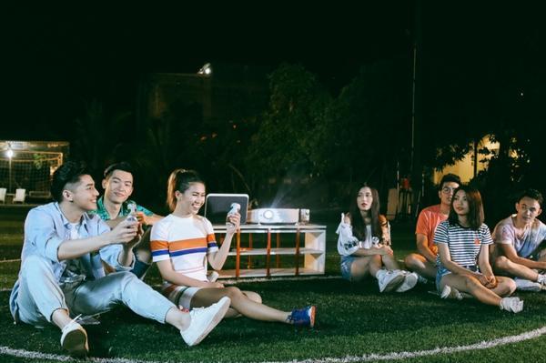 Hậu The Voice, Noo Phước Thịnh 'quậy' hết mình cùng học trò trong MV kỷ niệm