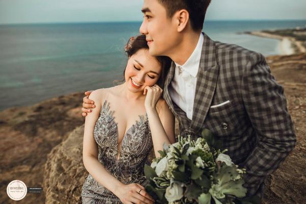 Hé lộ ảnh cưới đẹp lung linh của Huy Nam (La Thăng) cùng bà xã tại 'đảo Maldives của Việt Nam'