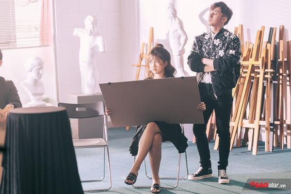 Sơn Tùng M-TP đẹp trai hút hồn trong loạt ảnh hậu trường phim 'Âm bản'