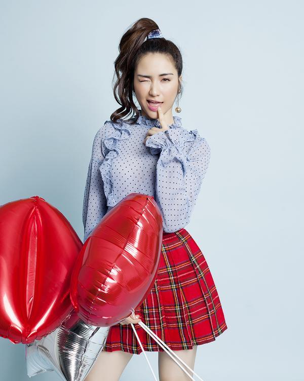 Hoà Minzy đáng yêu trong bộ hình mới, bật mí tung 'hàng độc' vào tháng 7