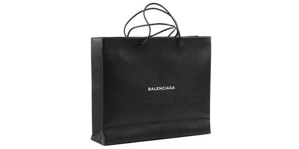 Balenciaga tung mẫu túi giống hệt túi giấy shopping phiên bản sang trọng nhưng… giá trên trời