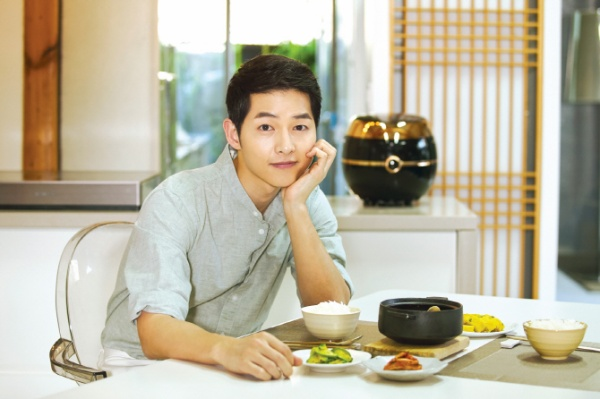 Dù đã là 'chồng người ta', Song Joong Ki vẫn nắm trong tay hơn 100 hợp đồng quảng cáo giá trị