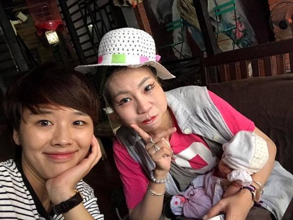 Hậu ôm con đi ăn quỵt khắp Sài Gòn, Bella vứt hết đồ dùng tại sân bay và bỏ về Hà Nội