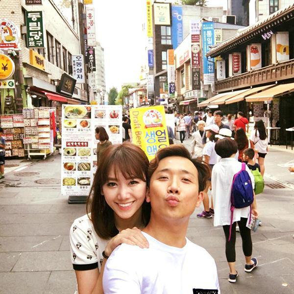 Hari Won hạnh phúc ôm hôn Trấn Thành trong chuyến du lịch Hàn Quốc