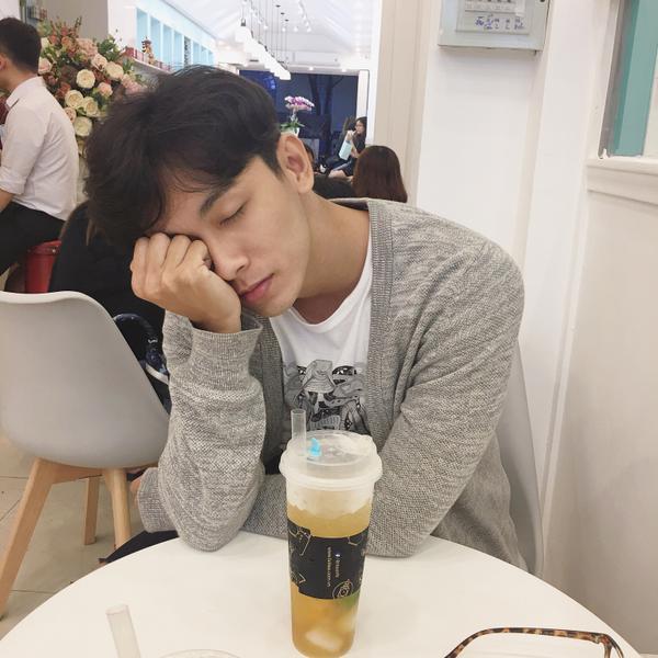 Chàng trai được Min 'cầu hôn' khuấy đảo cộng đồng mạng với 'góc nghiêng thần thánh' - ảnh 3