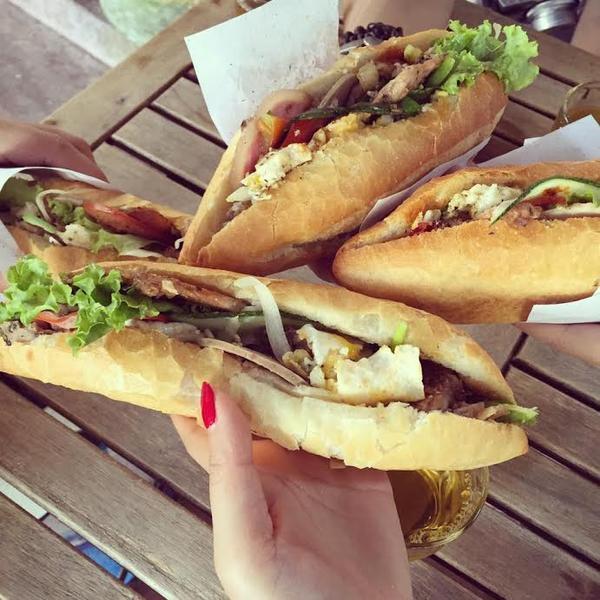 Bánh mì Phượng - món ngon nhất thế giới ở phố cổ Hội An