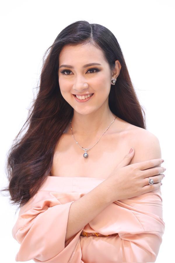 Không ngoài kỳ vọng, 'thánh ca dao' Hoàng Thùy giành vé vào bán kết Hoa hậu Hoàn vũ Việt Nam 2017. - ảnh 9