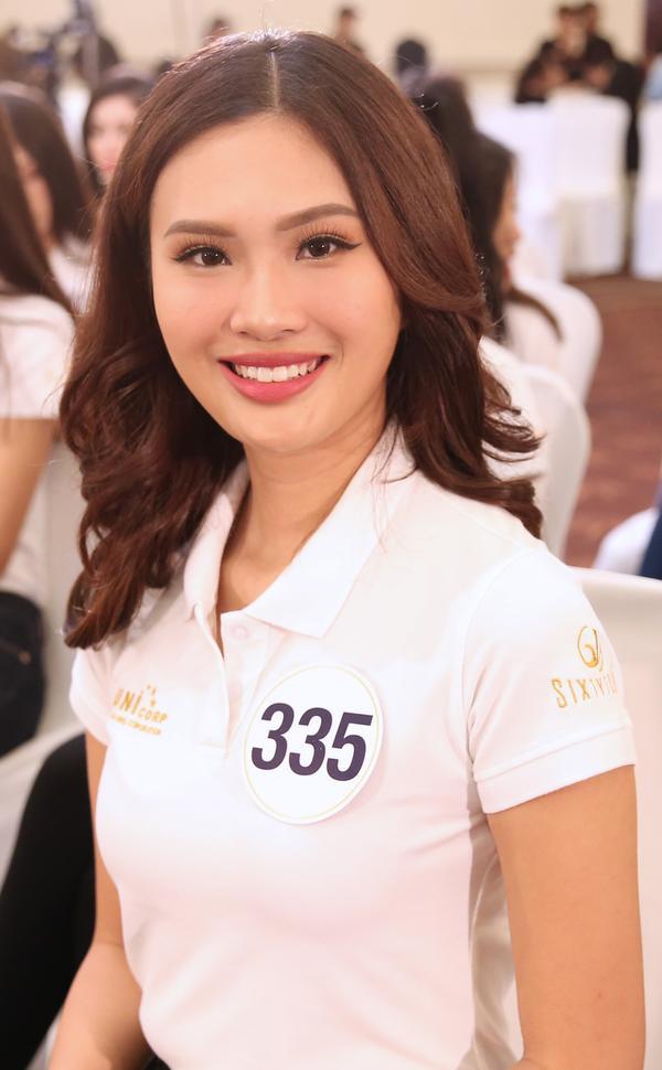 Không ngoài kỳ vọng, 'thánh ca dao' Hoàng Thùy giành vé vào bán kết Hoa hậu Hoàn vũ Việt Nam 2017. - ảnh 12