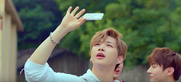 Chẳng thể ngờ, album sắp phát hành của Wanna One đã lên sóng từ… 2 tháng trước