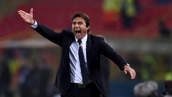 Mourinho và Conte trái ngược trong cả chuyện yêu đương - Ảnh 5.