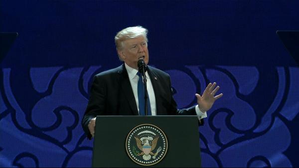 Tổng thống Mỹ Donald Trump có bài phát biểu ngay sau khi tới Đà Nẵng. Ảnh: Zing.vn.