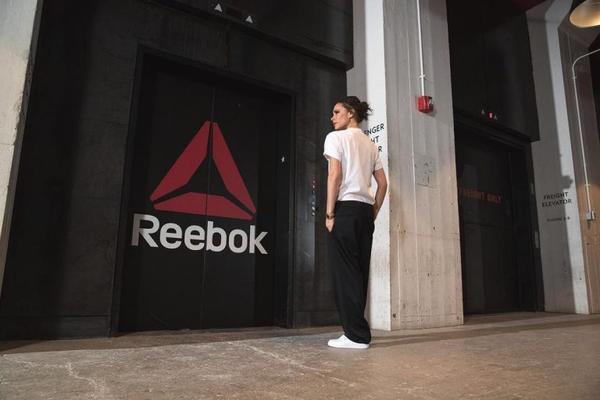 victoria beckham hop tac cung reebok elle vn 1 768x512 - Victoria Beckham - 'Kẻ không đội trời chung' với giày bệt bất ngờ hợp tác cùng 'Ông trùm thể thao'