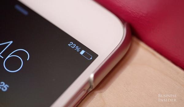 Còn đúng 5 phút, đây là cách bạn có thể sạc pin iPhone nhanh gấp đôi - Ảnh 1.